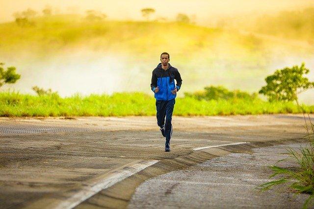 Running in inverno: i migliori orari per allenarsi